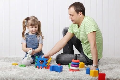 Como ajudar crianças a falar com atividades