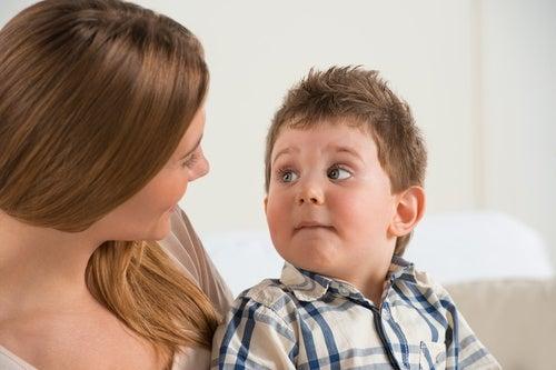 Falar com bebês versus falar com crianças: diferenças