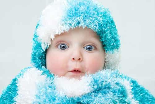 Previna o resfriado no bebê em épocas de chuva