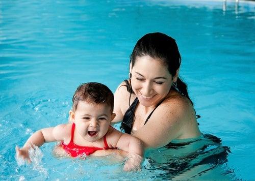 Hidroterapia para bebês, grandes benefícios para o seu desenvolvimento