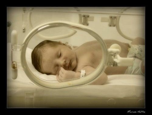 Quais cuidados especiais um bebê prematuro precisa?