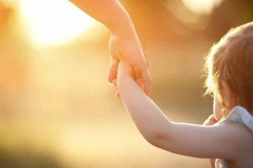 3 chaves para ensinar as crianças a expressar os seus sentimentos