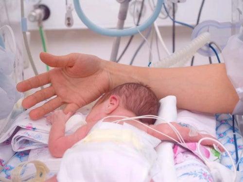 Guia para mães com bebês em tratamento intensivo