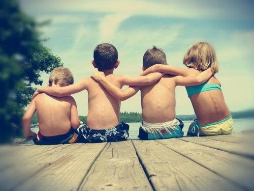Ensine seu filho a encontrar um amigo verdadeiro