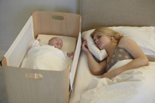 como-debe-dormir-un-bebe3-500x332