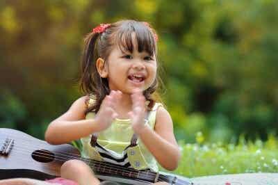 9 Benefícios da música no desenvolvimento de bebês e crianças