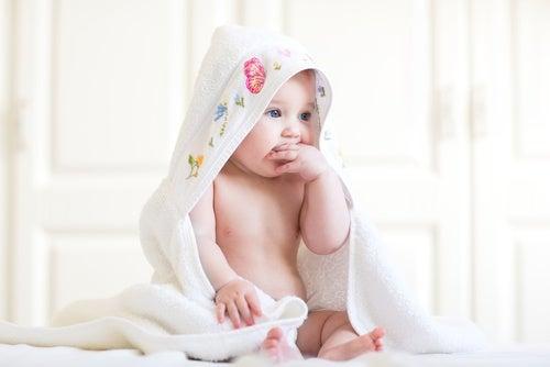 A pele do seu bebê é muito sensível, dicas para cuidar dela
