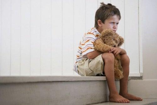 Crescer sem o pai gera tristeza
