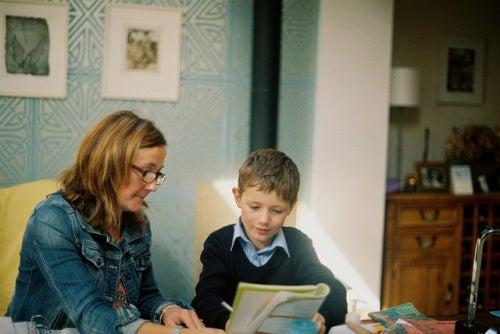 11 Dicas para ajudar seus filhos nas tarefas escolares
