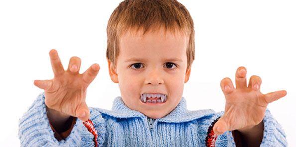 Por que seu filho morde e agride?