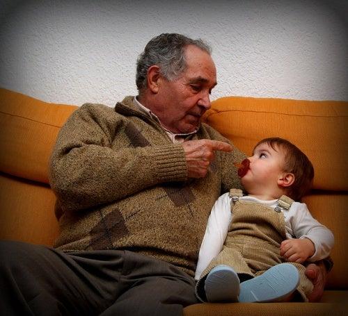 Dividir as tarefas com os avós. Há um limite?