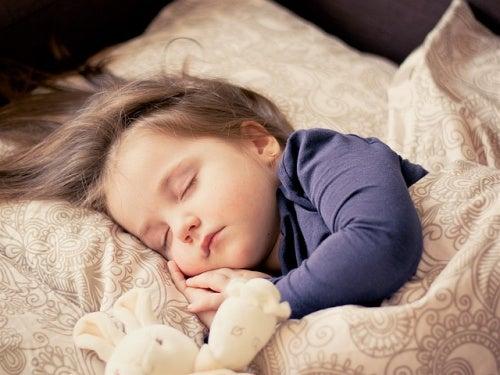 4 coisas que interferem no sono das crianças