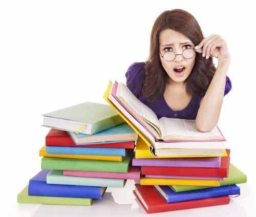Os 5 erros dos pais ao fazerem a lição de casa com os filhos