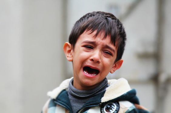 Sinais de maltrato infantil negligência e falta de cuidados