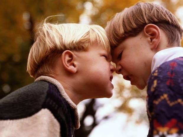 O que faço se meu filho é agressivo comigo?