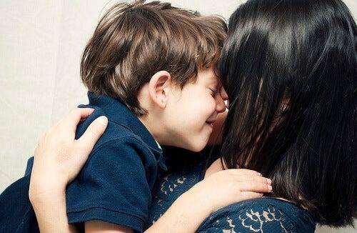 4 atitudes que fazem o seu filho se sentir especial