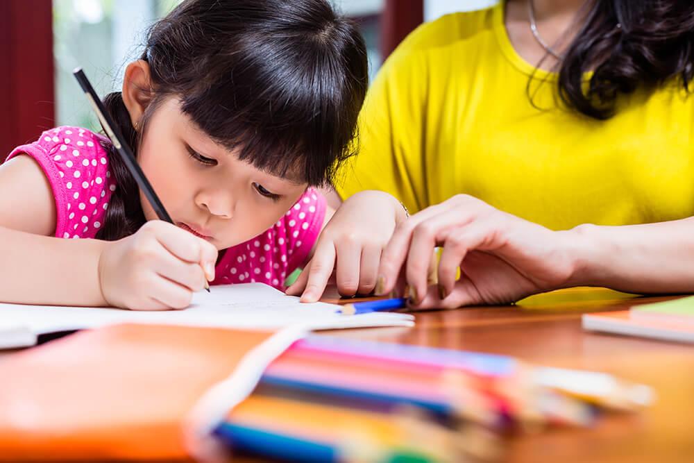 Melhorar a letra do seu filho depende de você: 5 dicas para ajudá-lo
