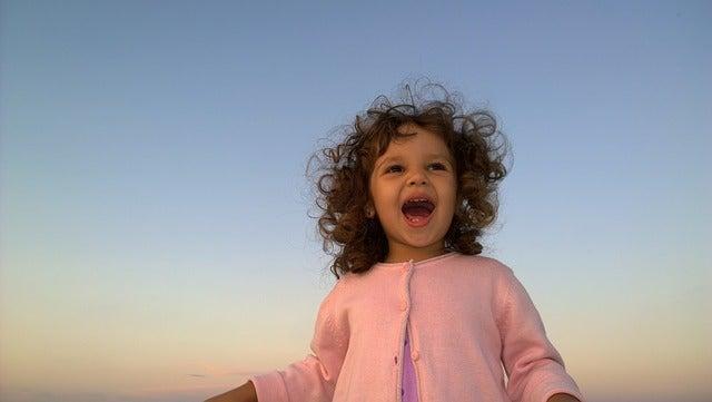 Quais atividades ajudam o seu filho a controlar as emoções?