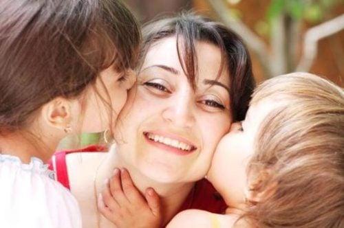 Ser mãe é ser feliz com a felicidade de seus filhos