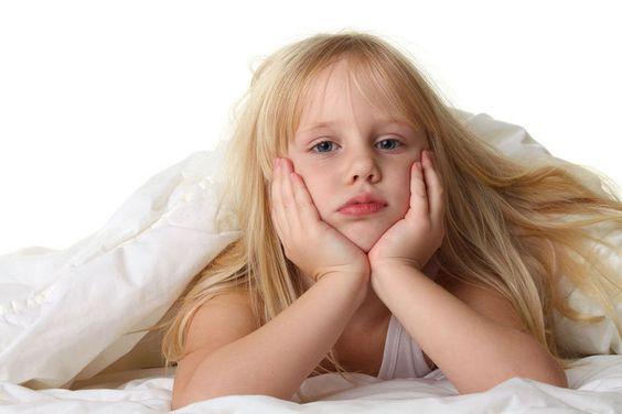 Meu filho tem dificuldade de acordar cedo para ir ao colégio