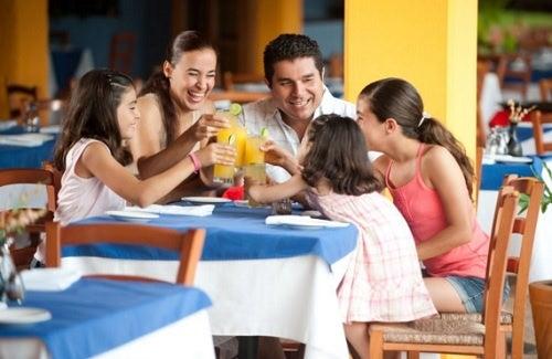 A importância de jantar em família todos os dias
