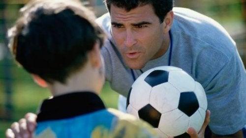 Não me cobre como um treinador, me incentive como um admirador: palavras de seu filho