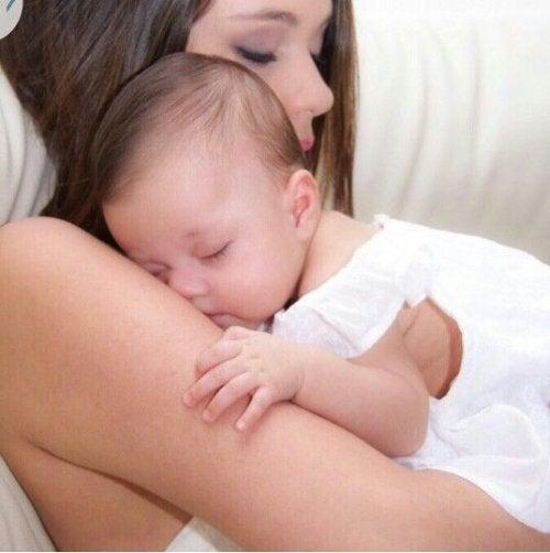 Como tratar o refluxo do bebê?
