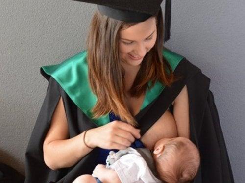 Maternidade e universidade podem ser compatíveis