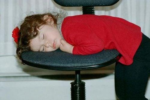 Consequências de dormir tarde para as crianças