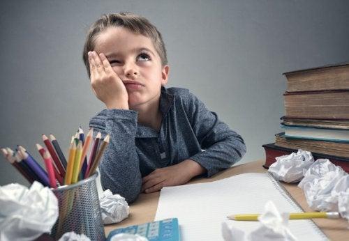 tarefas escolares