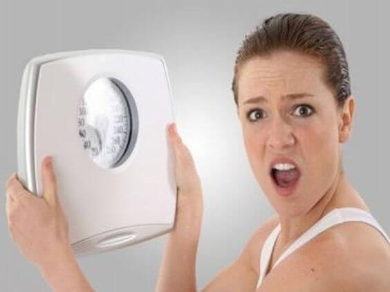 A amamentação pode ajudar a emagrecer, mas também pode ajudar a engordar