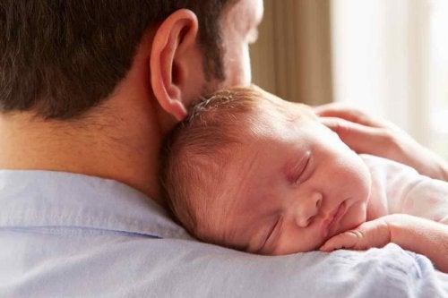 privilégios de crescer nos braços do papai
