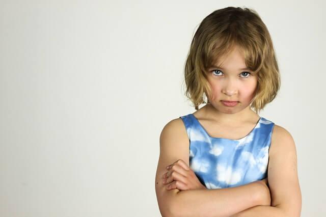3 consequências graves de educar crianças mimadas