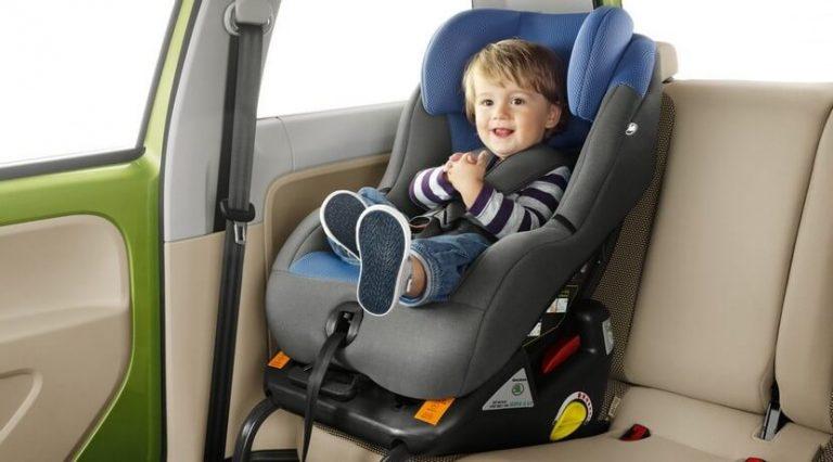 A maioria dos pais falham ao instalar a cadeirinha para carro
