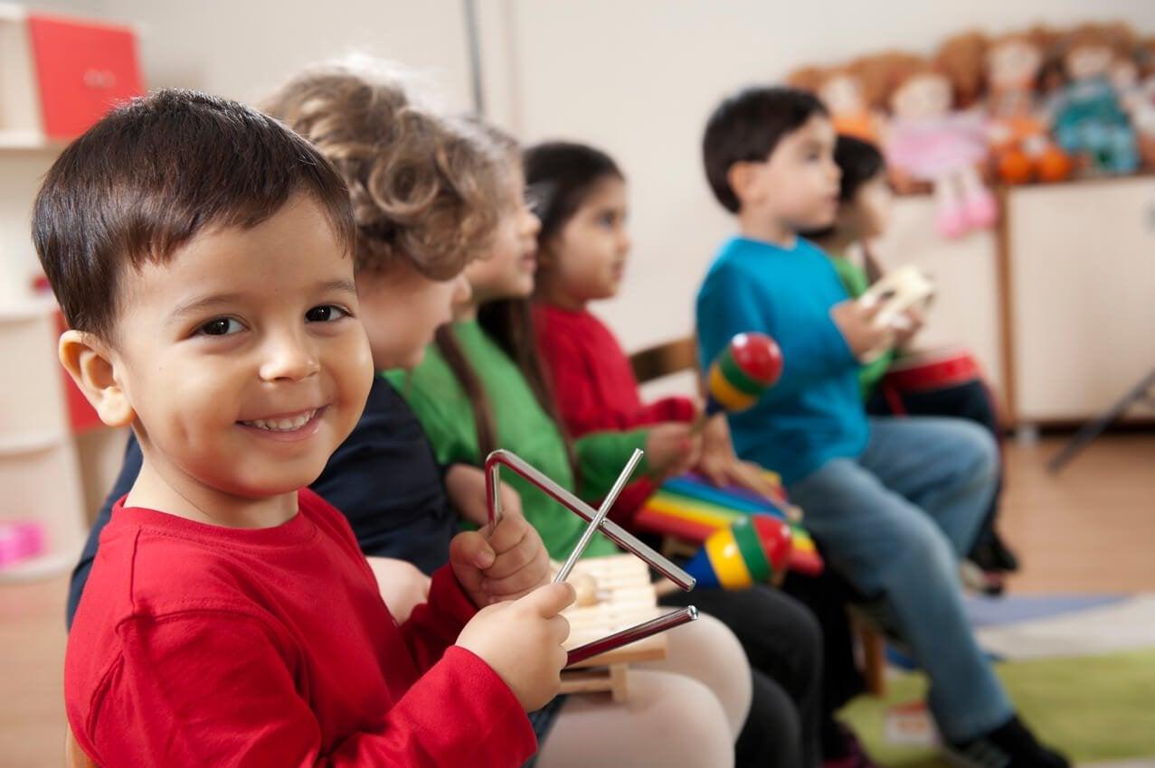 5 benefícios da educação musical