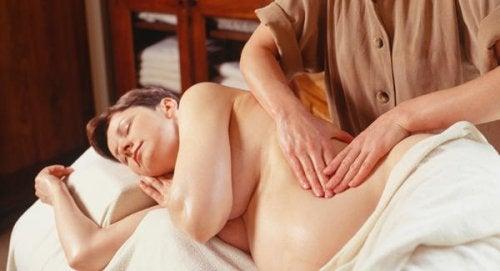 É seguro fazer massagem quando estamos grávidas?