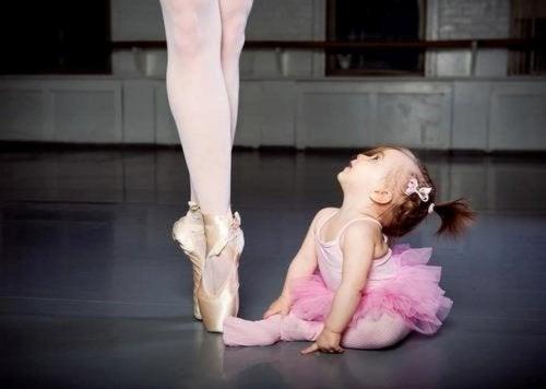 Como a dança beneficia as crianças