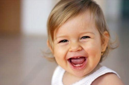Algumas choram e outras sorriem. Como se desenvolve o caráter das crianças?