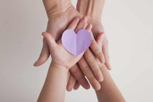 Segundo a disciplina positiva, as crianças agem bem quando se sentem bem