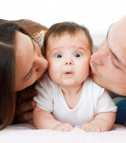 Por que a criança prefere a mamãe ou o papai?