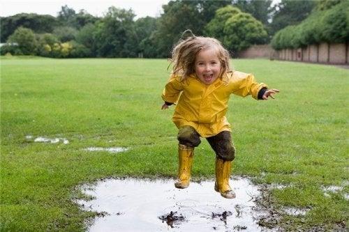 Às vezes as crianças precisam se sujar