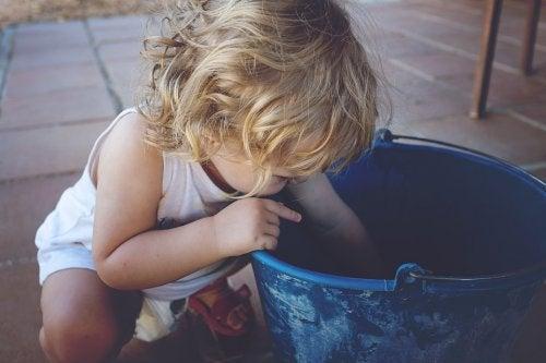 10 curiosidades sobre as crianças canhotas
