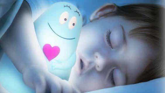 Por quê é melhor que as crianças durmam no escuro?