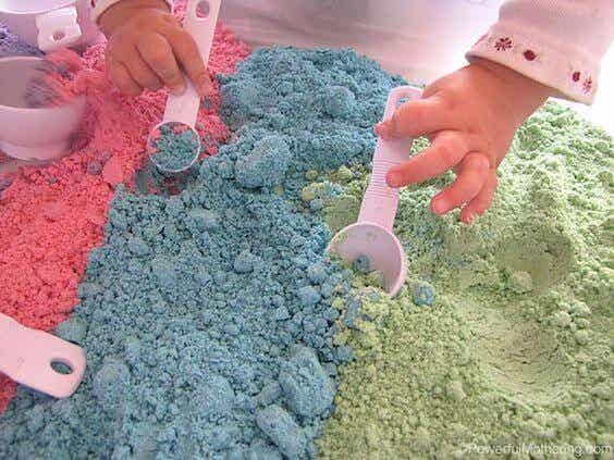 Areia Mágica! Vamos brincar com as crianças!