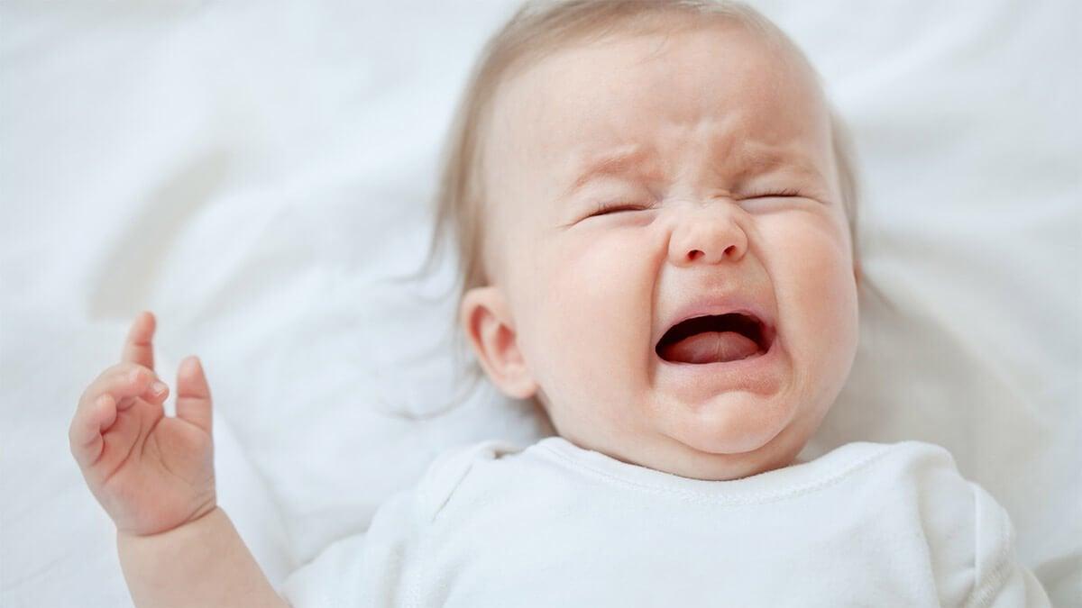 Não despreze um bebê quando chora, verifique o que ocorre