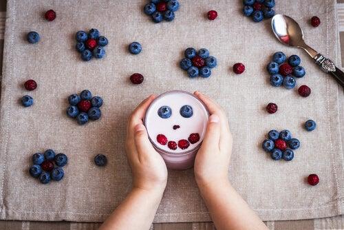 dar iogurte na alimentação dos pequenos
