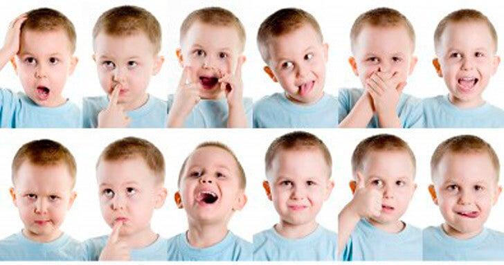 Vários quadros demonstrando diversas emoções de uma crianças