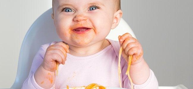 Como lidar com a criança quando ela não quer comer?