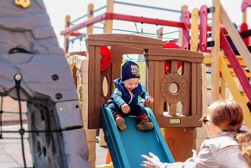 As 6 melhores brincadeiras para bebês