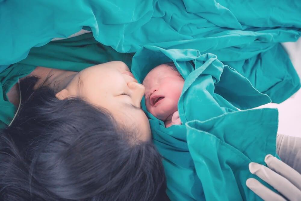 Descubra a dor que as mães sentem durante o parto
